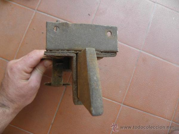 Antigüedades: Cerradura antigua de forja S. XIX o anterior - bonito diseño - Foto 5 - 49787258