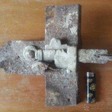 Antigüedades: 30X24 CM - GIGANTE MUY ANTIGUO PESTILLO CERROJO PASADOR CANDADO CERRADURA .. DE PUERTAS VENTANAS. Lote 49872996