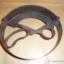 Antigüedades: SOMBREROS - ANTIGUO MEDIDOR PARA REALIZAR SOMBREROS , BRONCE Y HIERRO . ANTIGUO DE EPOCA NO REPRODUC. Lote 49878571