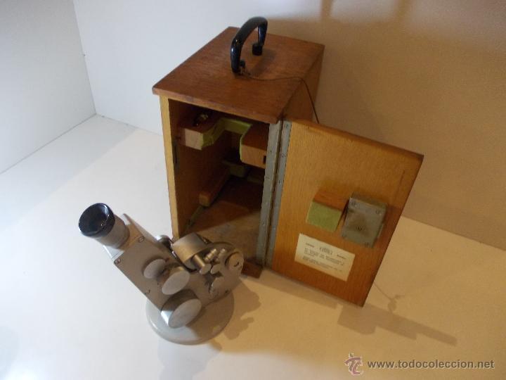 ANTIGUO REFRACTOMETRO DE FINALES DE 1968 FABRICACION ALEMANA DE LA MARCA CARL ZEISS (Antigüedades - Técnicas - Instrumentos Ópticos - Microscopios Antiguos)