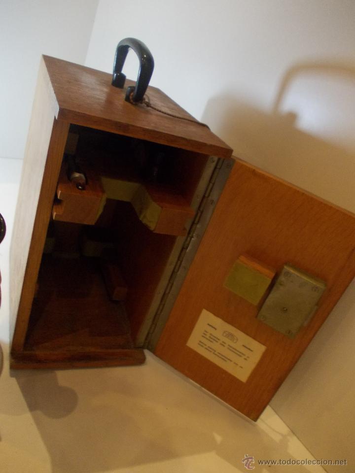 Antigüedades: ANTIGUO REFRACTOMETRO DE FINALES DE 1968 FABRICACION ALEMANA DE LA MARCA CARL ZEISS - Foto 6 - 113229691