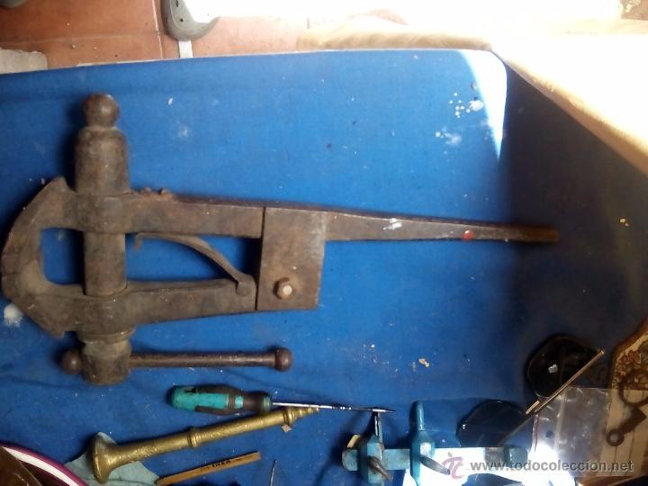 Antigüedades: Tornillo de banco de trabajo - Foto 5 - 49896480