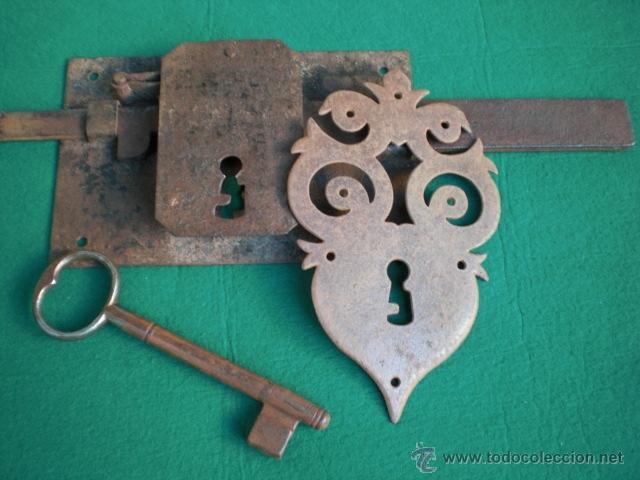 Antigua cerradura llave y bocallave de forja s comprar - Llaves antiguas de puertas ...