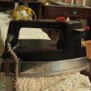 Antigüedades: PLANCHA ELÉCTRICA . Lote 50129489