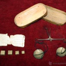 Antigüedades: BALANZA DE PRECISIÓN PARA PESAR MONEDA DE ORO DEL SIGLO XVIII-XIX. Lote 50144174