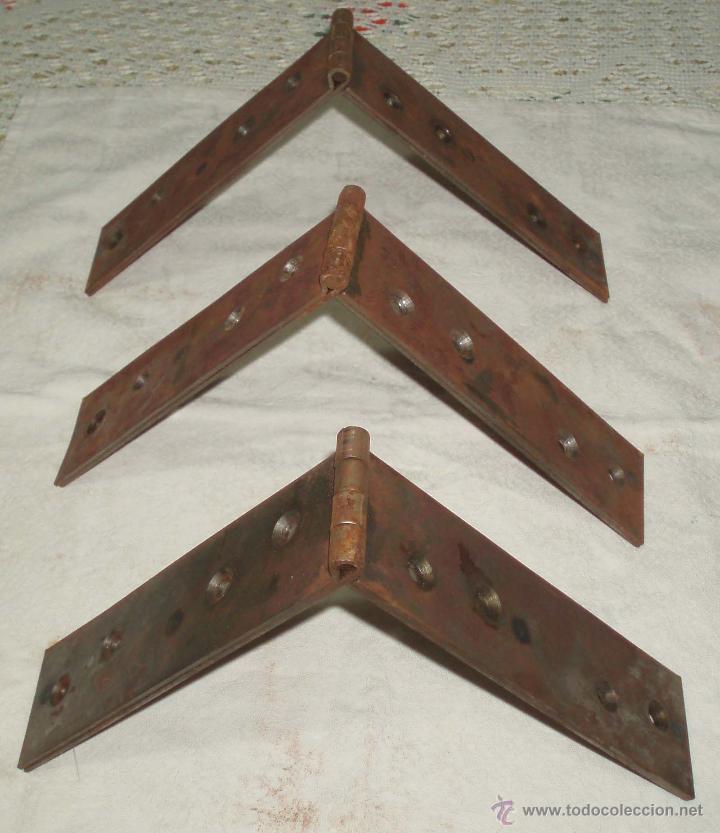 Antigüedades: tres bisagras de porton acero 35 cms de largas y 5 cms de anchas - Foto 3 - 50176980