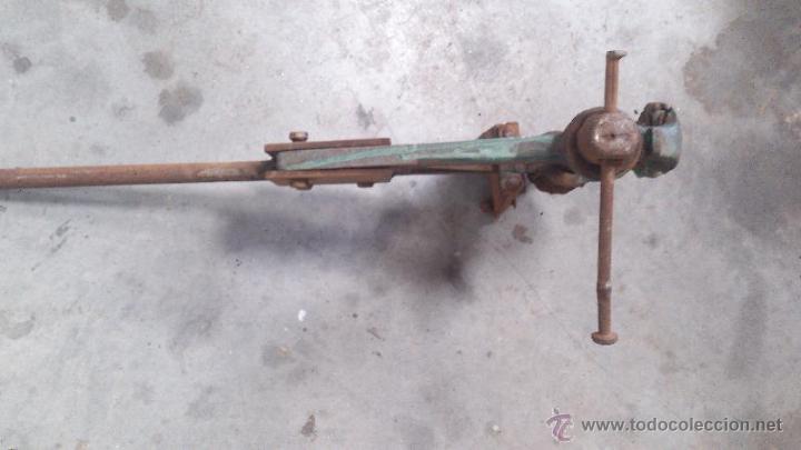 Antigüedades: Tornillo de banco de grandes dimensiones - Foto 2 - 50203826