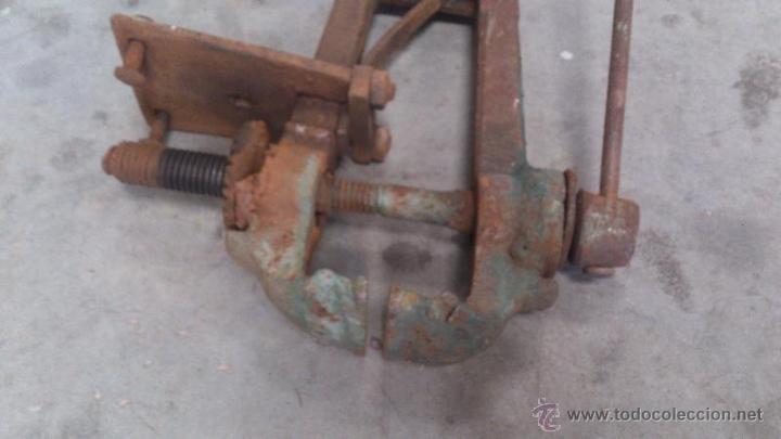 Antigüedades: Tornillo de banco de grandes dimensiones - Foto 3 - 50203826