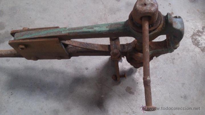 Antigüedades: Tornillo de banco de grandes dimensiones - Foto 4 - 50203826