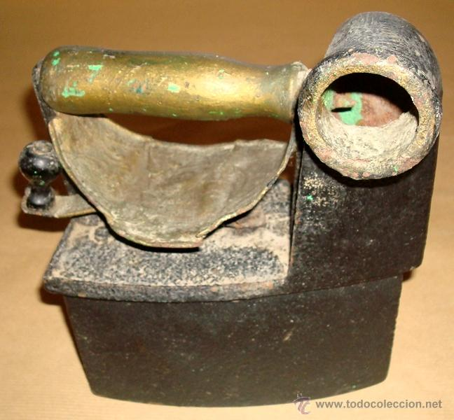 Antigüedades: ANTIGUA PLANCHA DE CARBÓN CON CHIMENEA - Foto 2 - 50270306