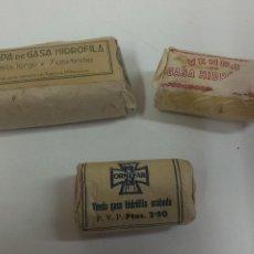 Antigüedades: TRES ANTIGUOS PAQUETES DE VENDA DE GASA. Lote 50324254