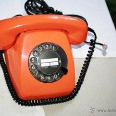 Teléfonos: RETRO VINTAGE TELEFONO ALEMÁN AÑOS 70 COLOR NARANJA, SIEMENS POST TIPO HERALDO. FUNCIONA MUY CUIDADO. Lote 50361944