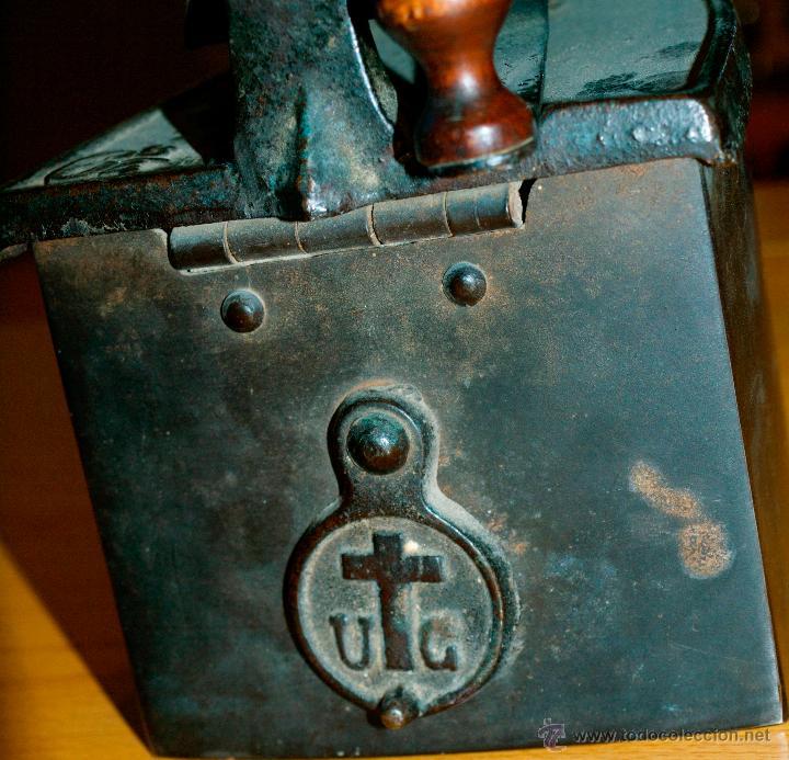 Antigüedades: ESPECTACULAR Y MUY ANTIGUA PLANCHA DE CARBÓN (CON LETRAS GRABADAS EN FORJA Y PINTADAS) - Foto 11 - 50442913