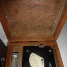 Antigüedades: CALIBRADOR PRECISIÓN BAXLO + CAJA MADERA. Lote 50476894