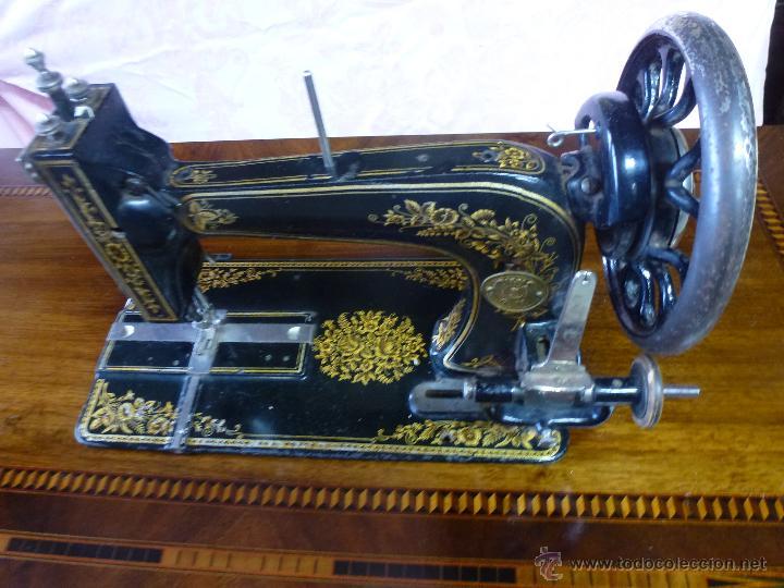 ANTIGUA MÁQUINA DE COSER KÖHLER (Antigüedades - Técnicas - Máquinas de Coser Antiguas - Otras)