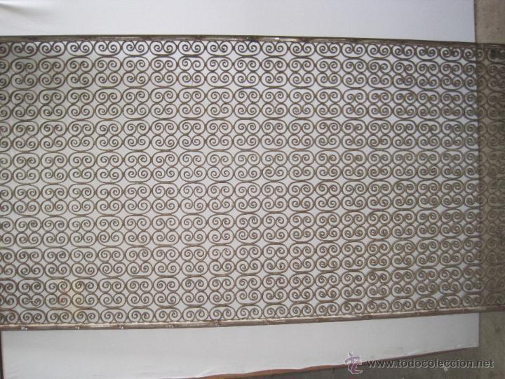 Antigüedades: REJA EN HIERRO FORJADO NEOROMANICA - Foto 3 - 50575318
