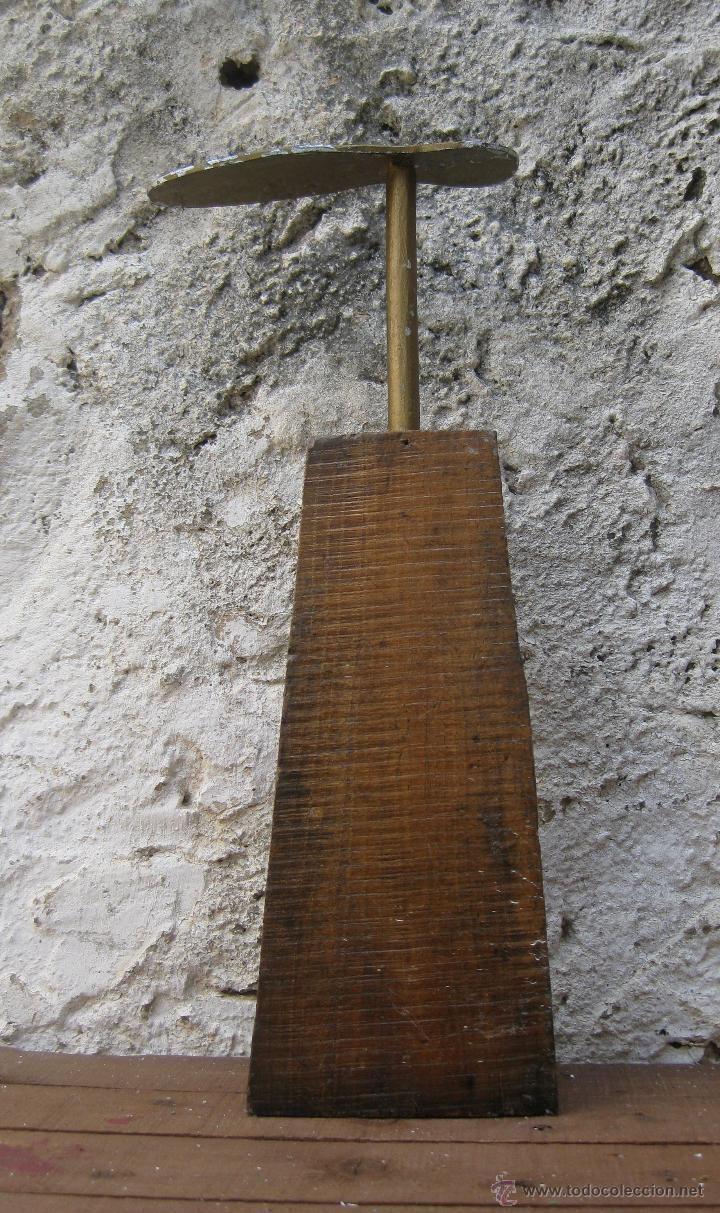 Antigüedades: FANTASTICA GRAN HORMA ZAPATERO EN HIERRO Y MADERA IDEAL DECORACION INDUSTRIAL O ZAPATERIAS ESCAPARAT - Foto 2 - 50611495