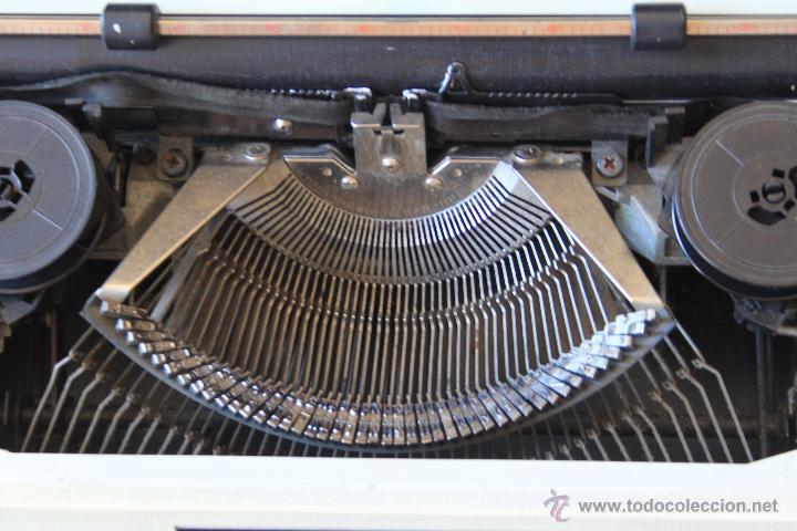 Antigüedades: Máquina de escribir antigua marca Silver Reed - Foto 3 - 50645630