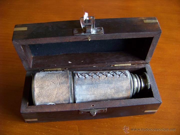 CATALEJO CUERO W. OTTWAY LONDON. EN CAJA DE MADERA (Antigüedades - Técnicas - Instrumentos Ópticos - Catalejos Antiguos)