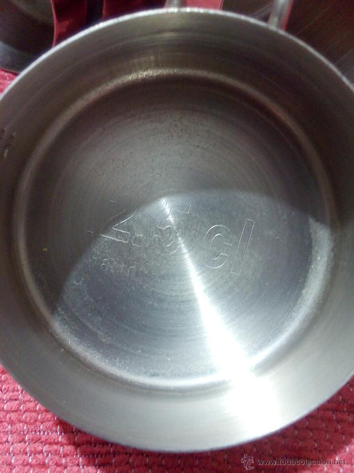 Antigüedades: Antiguas medidas de liquido en acero inoxidable. 4 medidas diferentes. - Foto 4 - 50758347
