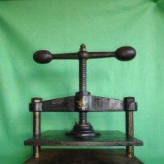 Antigüedades: PRECIOSA ANTIGUA PRENSA ALEXANDERWERK Nº1600 IMPRENTA XIX HIERRO DECORACIÓN INDUSTRIAL. Lote 50791549