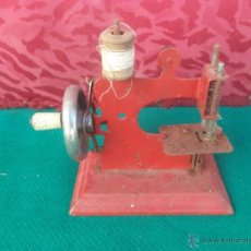 Antigüedades: MINI MAQUINA DE COSER. Lote 50885384