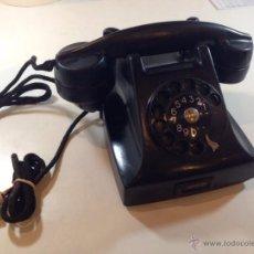 Teléfonos: ANTIGUO TELEFONO DE BAQUELITA MARCA ERIKSON MADE IN SWEDEN. Lote 50946336