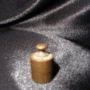Antigüedades: PEQUEÑA PESA DE 10 GRAMOS. Lote 50948130
