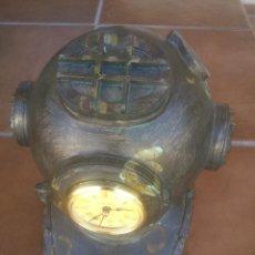 Antigüedades: ESCAFANDRA EN RESINA CON RELOJ. Lote 50987575