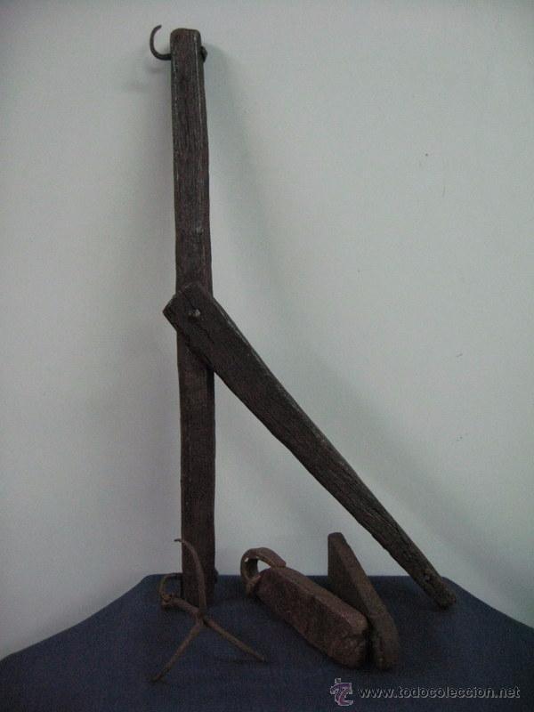 Antigüedades: antigua bascula balanza madera hierro peso ponderal (2) forja - Foto 2 - 51014240