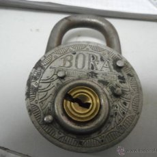 Antigüedades: PRECIOSO CANDADO MUY TRABAJADO MARCA BORA. Lote 51015839