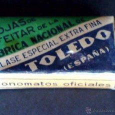 Antigüedades: CAJA DE 10 HOJAS DE AFEITAR ANTIGUAS-MARCA TOLEDO-FABRICA NACIONAL-CON PRECINTO. Lote 51033963