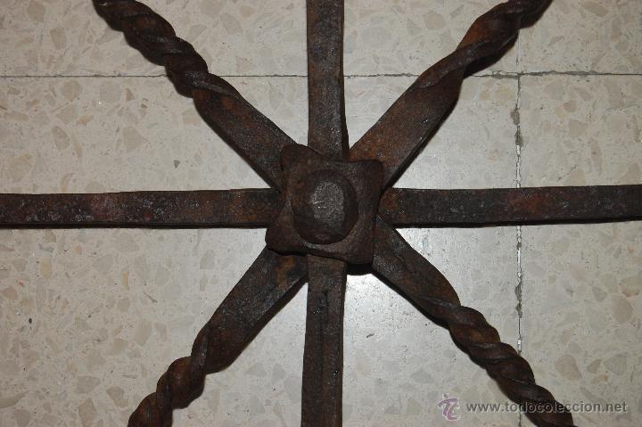 Antigüedades: Reja de forja para ventana u óvalo. SS. XVII-XVIII - Foto 4 - 51092939