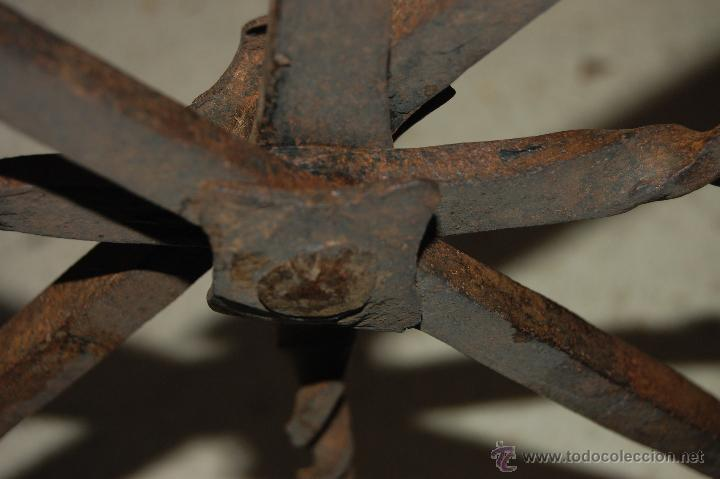 Antigüedades: Reja de forja para ventana u óvalo. SS. XVII-XVIII - Foto 8 - 51092939