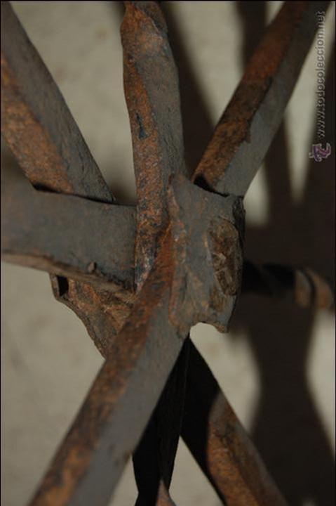 Antigüedades: Reja de forja para ventana u óvalo. SS. XVII-XVIII - Foto 9 - 51092939