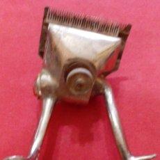 Antigüedades: MAQUINILLA PELUQUERIA DE CABALLEROS. Lote 51122174