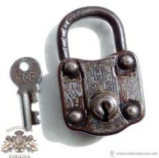 Antigüedades: CANDADO ANTIGUO CON SU LLAVE ORIGINAL, FUNCIONAMIENTO PERFECTO - 7,5X4,5. Lote 51206953