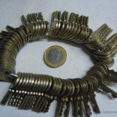 Antigüedades: LOTE DE 70 LLAVES. Lote 51208191