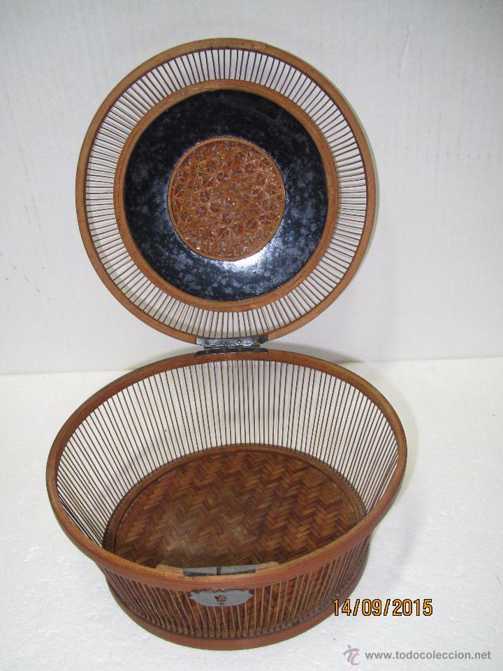 Antigüedades: Antigua Caja Costurero o Similar en Fibras Vegetales, Metal y Materiales Nobles - Año 1920s. - Foto 3 - 51236040