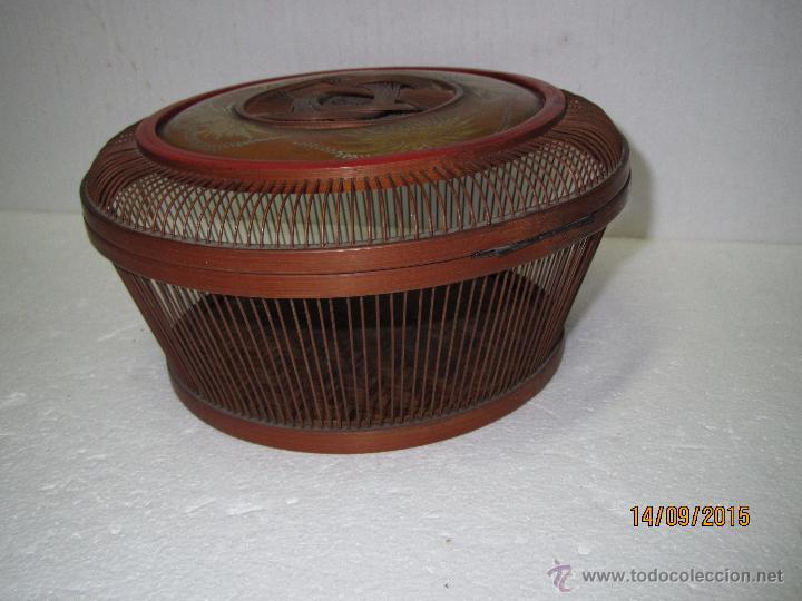 Antigüedades: Antigua Caja Costurero o Similar en Fibras Vegetales, Metal y Materiales Nobles - Año 1920s. - Foto 6 - 51236040