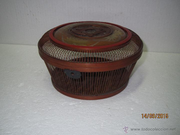 Antigüedades: Antigua Caja Costurero o Similar en Fibras Vegetales, Metal y Materiales Nobles - Año 1920s. - Foto 7 - 51236040