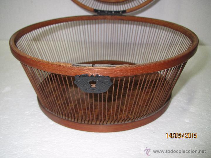 Antigüedades: Antigua Caja Costurero o Similar en Fibras Vegetales, Metal y Materiales Nobles - Año 1920s. - Foto 8 - 51236040