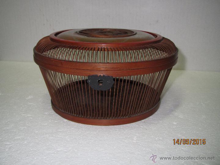 Antigüedades: Antigua Caja Costurero o Similar en Fibras Vegetales, Metal y Materiales Nobles - Año 1920s. - Foto 11 - 51236040