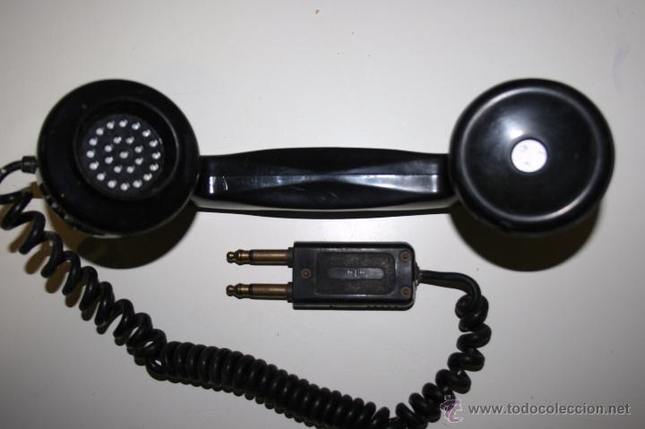 ANTIGUO AURICULAR DE TELÉFONO CON DOBLE CLAVIJA, PERTENECIENTE A CENTRAL TELEFÓNICA O SIMILAR. (Antigüedades - Técnicas - Teléfonos Antiguos)