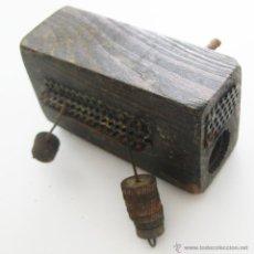 Antigüedades: INCREIBLE DE MUSEO ENCENDEDOR UNIVERSAL ANTIGUO A LUZ MADERA Y HIERRO 1935 LARGO CABALLERO VALENCIA. Lote 51259029