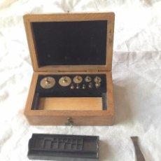 Antigüedades: CAJA DE PESAS PARA JOYERÍA. WEIGHT BOX FOR JEWELLERS.. Lote 51333784