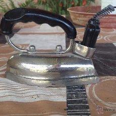 Antigüedades: ANTIGUA PLANCHA DE HIERRO ELECTRICA UFESA.. Lote 51392988