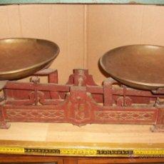 Antigüedades: ANTIGUA BALANZA ESPAÑOLA DE 15 KILOS. Lote 51463326
