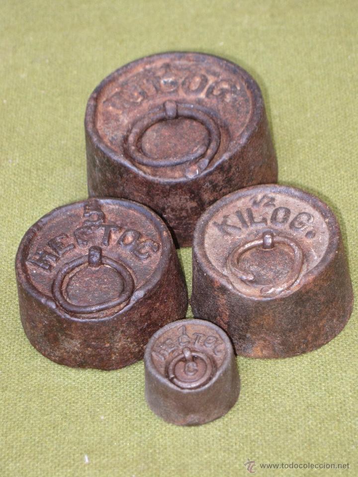 Antigüedades: LOTE DE 4 PESAS ANTIGUAS DE HIERRO PARA BALANZA. - Foto 2 - 51464503