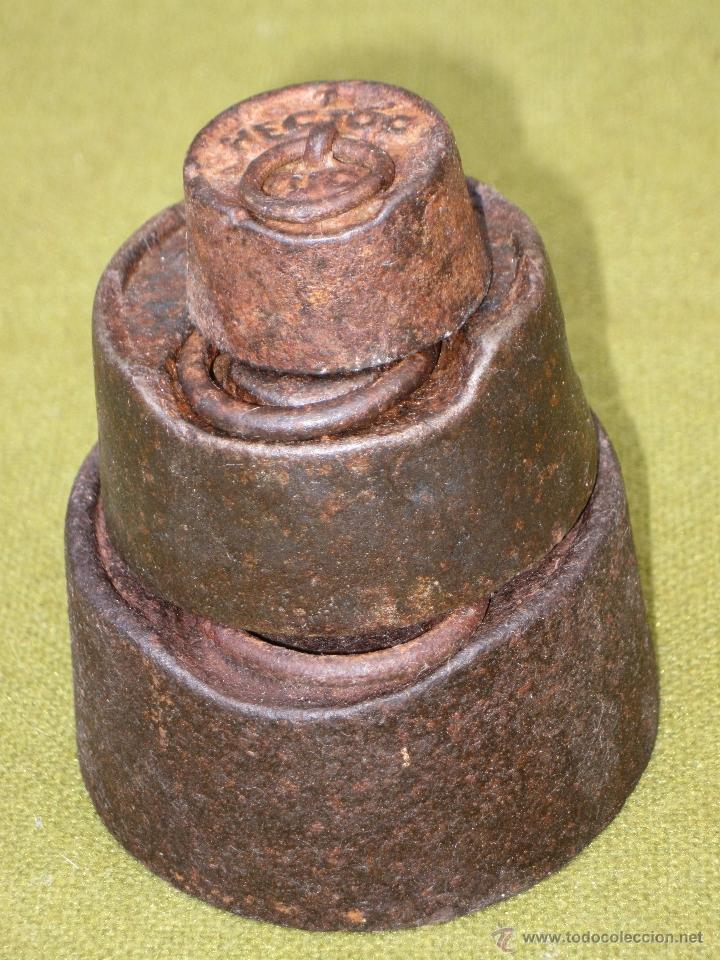 Antigüedades: LOTE DE 3 PESAS ANTIGUAS DE HIERRO PARA BALANZA. - Foto 3 - 51464693